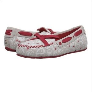Ugg Dove Paisley Heart Belle Suede Moccasin Sz 5